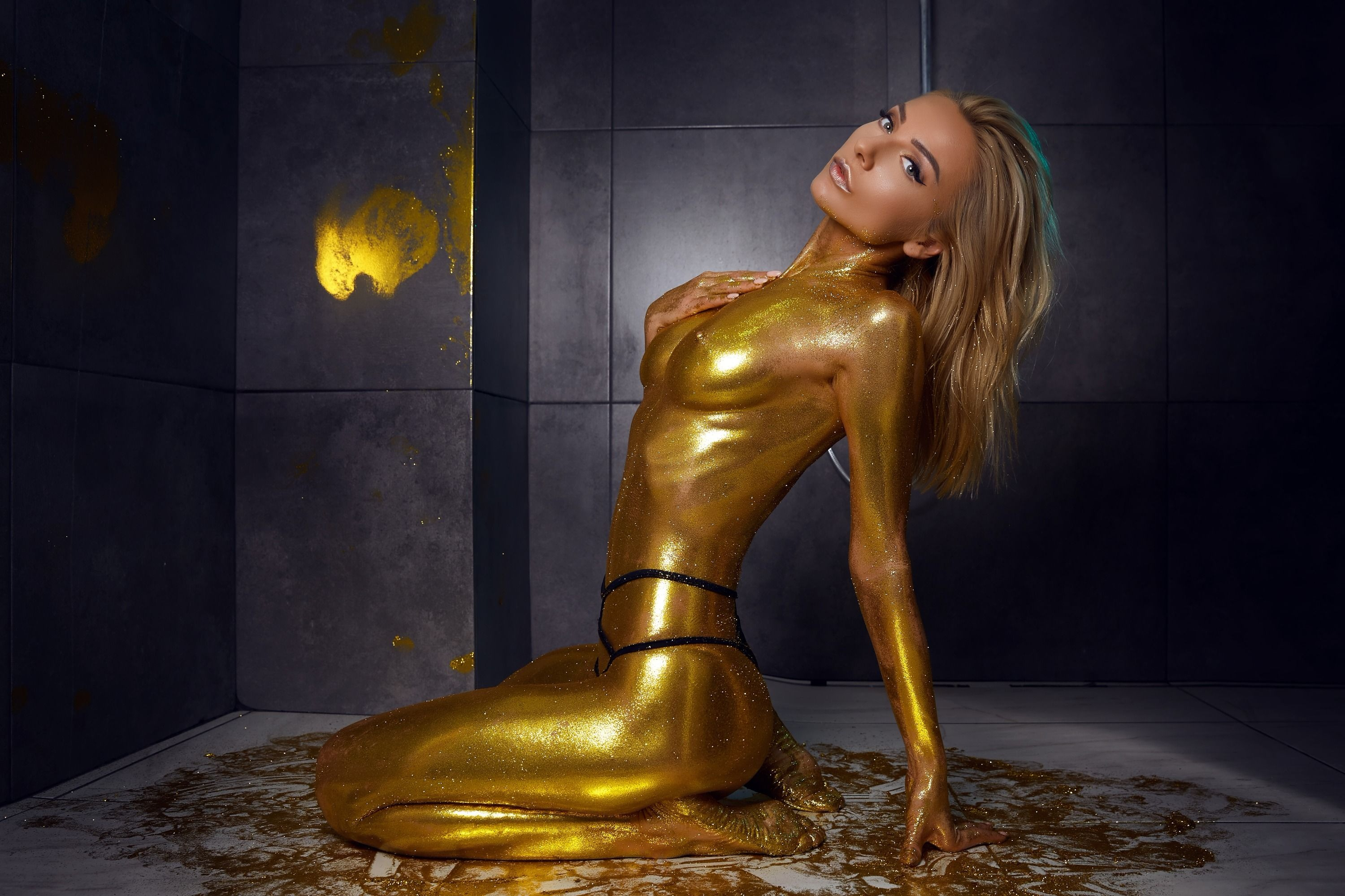 Girls Eva Devine The Golden Goddess Cam Girl Tips